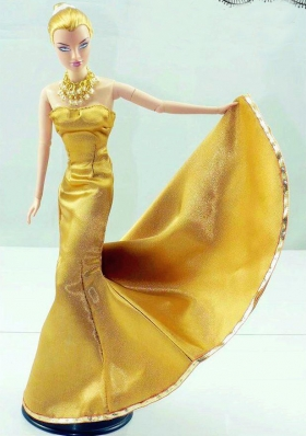 Gorgeous Gold Dress For Noble Barbie