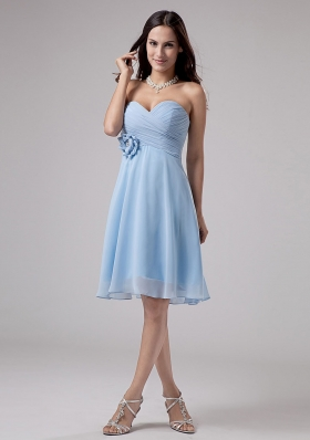Light Blue Bridesmaid Dresses With Hand Made Flower and Ruching Knee-length Chiffon