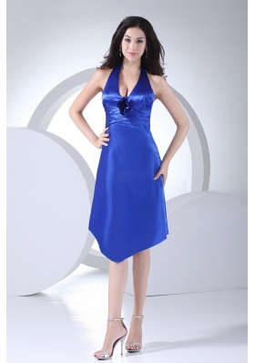 Column / Sheath Ruched Taffeta Knee-length Royal Blue Halter Bridesmaid Dress