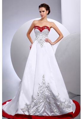 2013 New Arrival Wedding Dress With Embroidery and Beading Sweetheart A-line Chapel Train