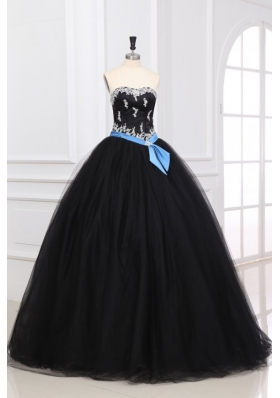 Sweetheart Appliques Decorate Organza Quinceanera Dress in Black