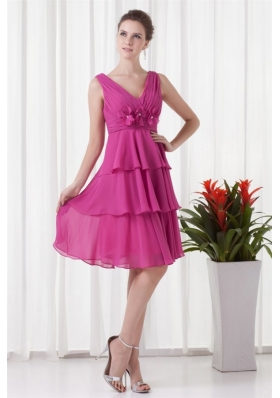 Empire V-neck Knee-length Fuchsia Chiffon Ruching Prom Dress