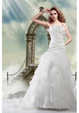 2014 A Line Court Train Appliques Wedding Dresses with Strapless