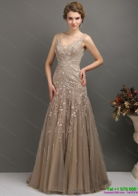 2015 Feminine Empire Prom Dress with Brush Train and Appliques