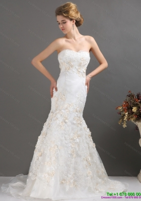 2015 Classical Sweetheart Wedding Dress with Beading and Appliques