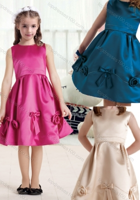 New Arrival Bateau Knee Length Satin Flower Girl Dresses with Bowknot