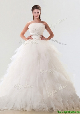 Fashionable Strapless Tulle Wedding Dresses with Beading and Ruffles