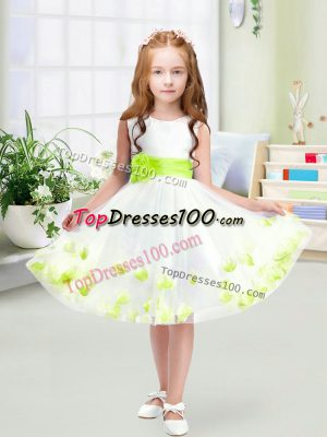 Free and Easy White A-line Scoop Sleeveless Tulle Knee Length Zipper Appliques and Belt Flower Girl Dress