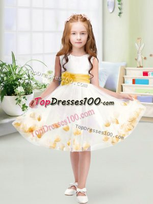 Knee Length White Flower Girl Dresses for Less Tulle Sleeveless Appliques and Belt