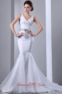 Fashionable Mermaid V-neck Court Train Satin and Organza Bow Wedding Dress