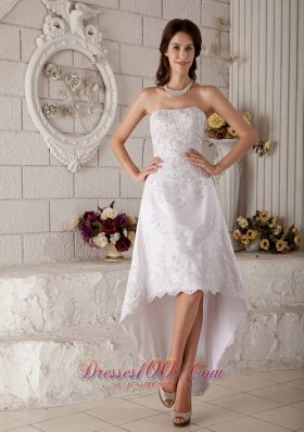 Discount A-line / Princess Beach Wedding Dress Strapless High-low Lace Embroidery and Beading