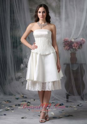 Simple A-line Strapless Homecoming Dress Taffeta Ruch Knee-length