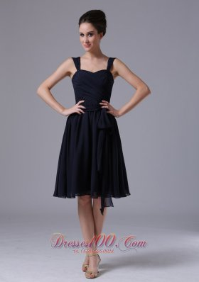 2013 A-Line Navy Blue Straps Chiffon Knee-length Bridesmaid Dress Ruched