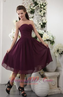 Cheap Dark Purple Empire Sweetheart Tea-length Chiffon Pleat Bridesmaid Dress