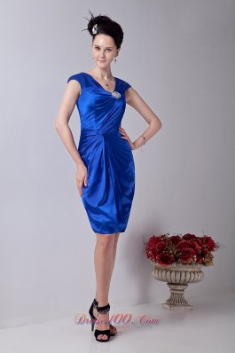 Royal Blue Column V-neck Knee-length Taffeta Beading Prom / Homecoming Dress