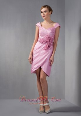 Sweet Rose Pink Column Mother Of The Bride Dress Cap Sleeves Ruch and Hand Made Flowers Knee-length Taffeta