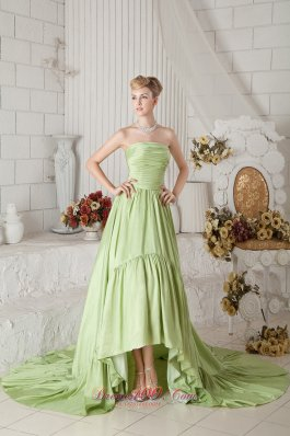 2013 Yellow Green A-line Strapless Chapel Train Taffeta Ruch Prom Dress