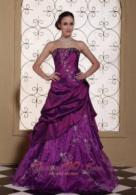 Plus Size Modest Purple Prom Dress For 2013 Taffeta and Organza With Embroidery Gown
