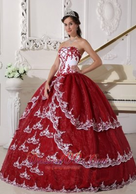 New Modest Wine Red and White Quinceanera Dress Strapless Organza Appliques Ball Gown