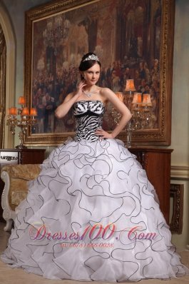 Popular The Super Hot White Quinceanera Dress Sweetheart Organza Embroidery Ball Gown