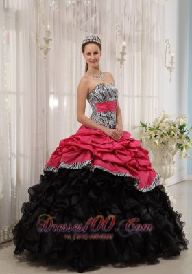 Popular Pretty Brand New Red and Black Quinceanera Dress Sweetheart Ball Gown