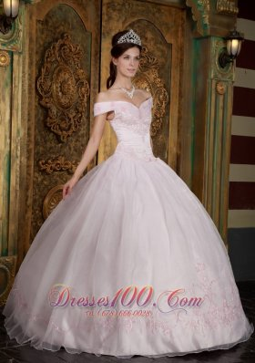 Discount Light Pink Ball Gown Off The Shoulder Floor-length Appliques Organza Quinceanera Dress