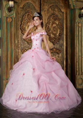 Discount Romantic Pink Quinceanera Dress Off The Shoulder Organza Appliques Ball Gown