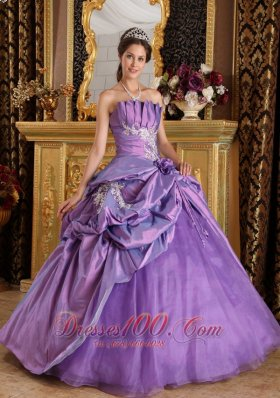 Classical Lavender Quinceanera Dress Strapless Appliques Taffeta Ball Gown Fashion
