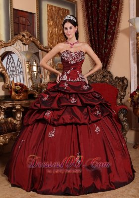 Remarkable Wine Red Quinceanera Dress Sweetheart Taffeta Appliques Ball Gown Fashion