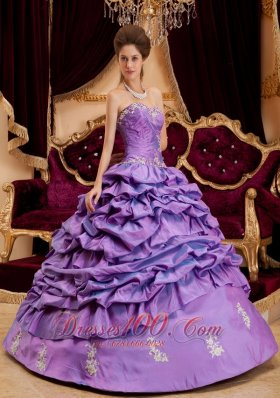 Luxurious Lavender Quinceanera Dress Sweetheart Taffeta Appliques Ball Gown Plus Size