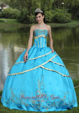Taffeta and Satin Embroidery Blue 2013 Quinceanera Gowns Designer Pretty