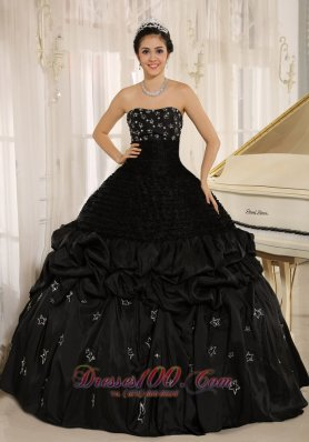 Appliques Decorate On Taffeta Strapless Black Quinceanera Dress In Yacuiba Pretty