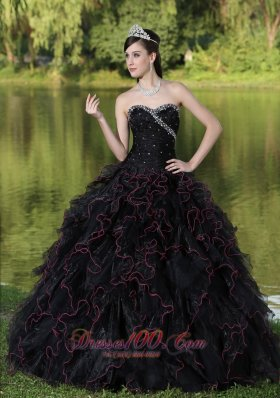 Beaded Decorate Bodice Sweetheart and Black Ball Gown For 2013 Quinceanera Dress Organza Ruffles Layered Pretty