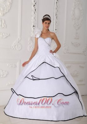 Cheap Beautiful White Quinceanera Dress One Shoulder Neck Taffeta and Organza Beading Ball Gown
