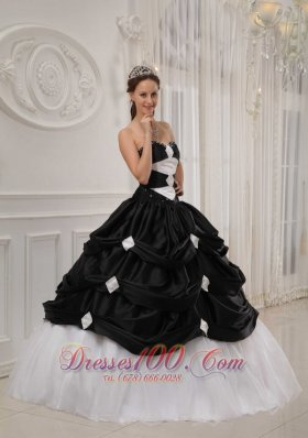 Cheap Gorgeous Black and White Quinceanera Dress Sweetheart Taffeta and Organza Beading Ball Gown