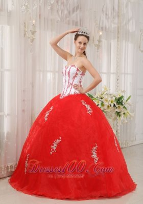 Cheap Classical White and Red Quinceanera Dress Sweetheart Taffeta and Organza Appliques Ball Gown