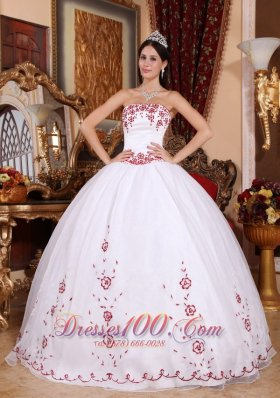 Cheap Fashionable White Quinceanera Dress Strapless Organza Embroidery Ball Gown