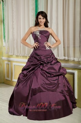 Cheap Dark Purple A-line / Princess Strapless Floor-length Taffeta Appliques Quinceanera Dress