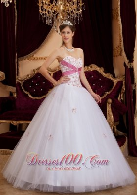 White A-line / Princess Sweetheart Floor-length Appliques Tulle Quinceanera Dress  for Sweet 16