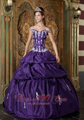 Classsical Purple Quinceanera Dress Off The Shoulder Taffeta Appliques Ball Gown  for Sweet 16