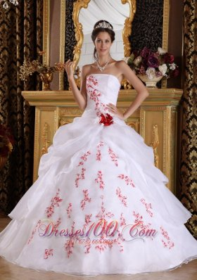 Wonderful White Quinceanera Dress Strapless Organza Appliques A-Line / Princess  for Sweet 16