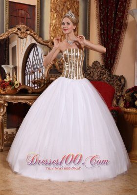 Lovely White Sweet 16 Dress Strapless Tulle Squins Ball Gown  for Sweet 16