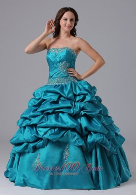 2013 Ball Gown Pick-ups Quinceanera Dress With Beading and Ruch in Newington Connecticut