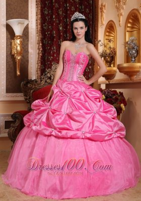 Puffy Modest Rose Pink Quinceanera Dress Sweetheart Taffeta Beading Ball Gown