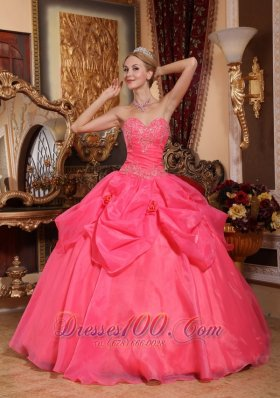 Puffy Popular Coral Red Quinceanera Dress Sweetheart Taffeta and Organza Appliques Ball Gown
