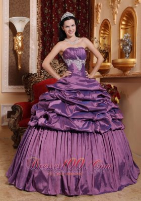 Puffy Brand New Lavender Quinceanera Dress Strapless Taffeta Appliques Ball Gown