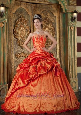 2013 Elegant Orange Red Quinceanera Dress Strapless Pick-ups Taffeta Ball Gown