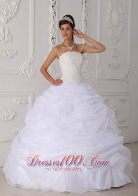 2013 Gorgeous White Quinceanera Dress Strapless Floor-length Organza Lace Ball Gown