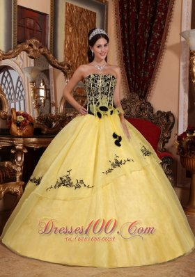 2013 Beautiful Yellow Quinceanera Dress Strapless Organza Embroidery Ball Gown