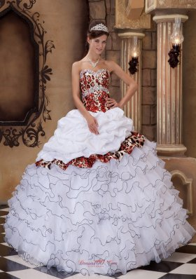 2013 White Ball Gown Sweetheart Floor-length Organza and Leopard Ruffles Quinceanera Dress